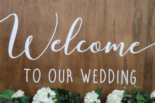 Wooden Welcome Sign - Large