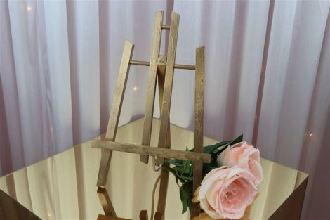 Table-Top Easel - Gold