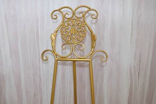 Gold Metal Easel - 1.5m