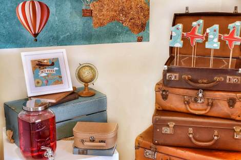 Vintage Suitcases - Medium Brown