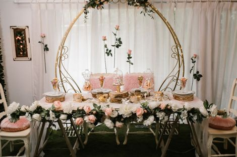 Rustic Bridal Table with Flowers