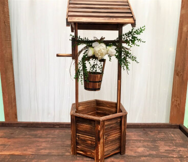 Wishing Well - Traditional (brown wood)